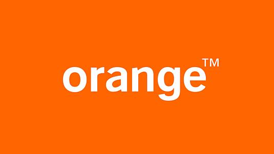 La empresa de telefonía Orange ha tomado el naranja, aunque no es la única que lo hace